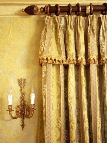 ผ้าม่านสีทอง