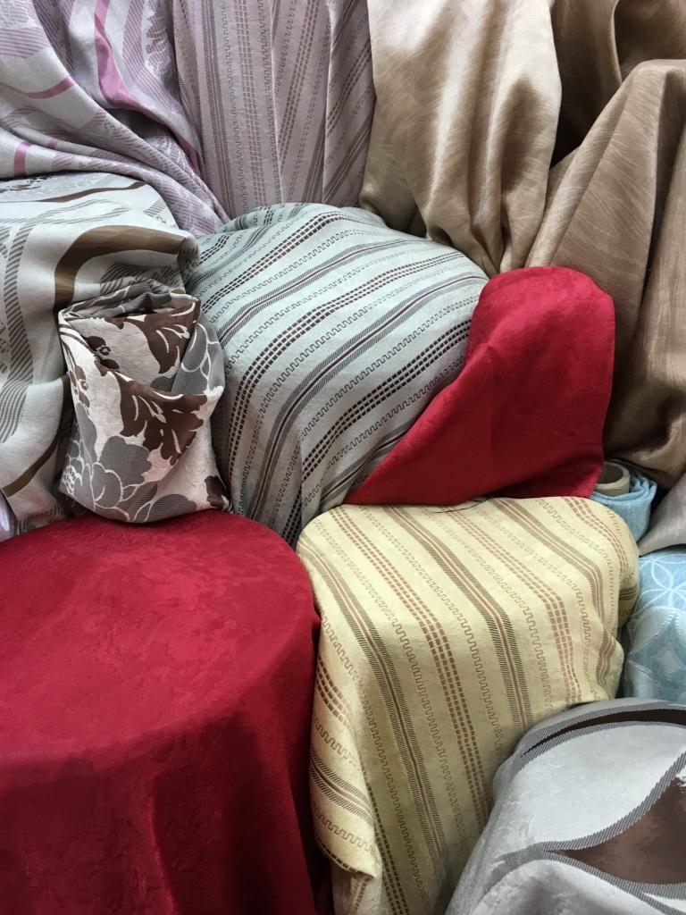 สีผ้าม่านมีผลต่อบรรยากาศและความรู้สึกเวลาอยู่บ้าน