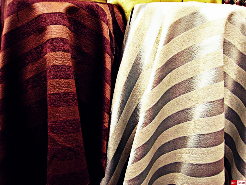 Curtain fabric Shop FABRIC PLUS sells curtain materials and curtain fabrics in Bangkok Pahurat (Phahurat) across the road from China World, on same side as India Emporium, near The Old Siam and Chinatown