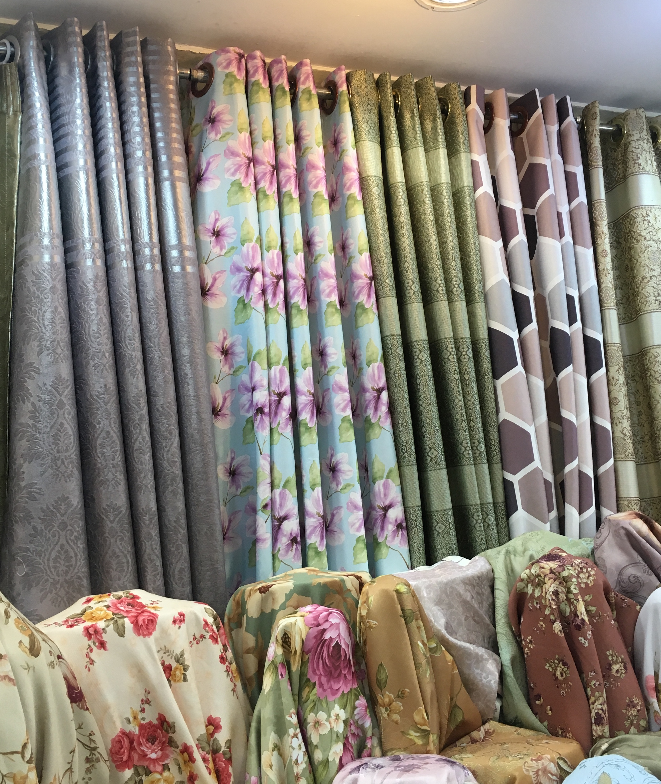 Blackout curtains and their benefits for residents living in Bangkok, Thailand