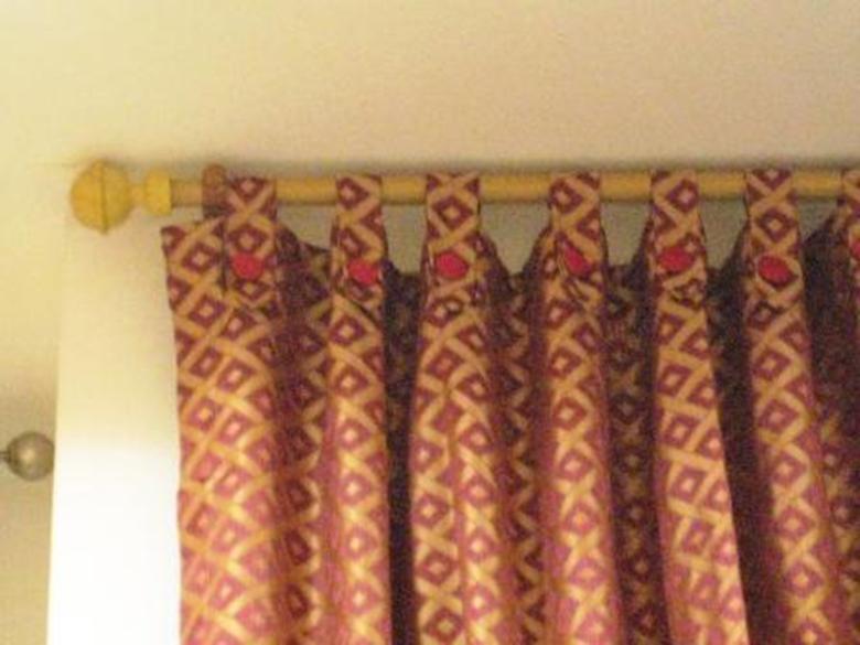 ผ้าม่านคอกระเช้า ร้านผ้าม่านพาหุรัด แฟบริค พลัส