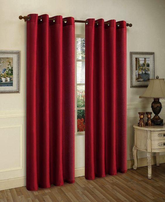 ผ้าม่านกันแดดสีแดง
