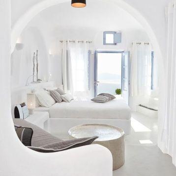 ผ้าม่านสีขาว พื้นที่ห้องสีขาว