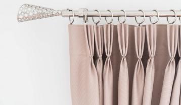 ผ้าม่านจีบ รางโชว์ สีเงินสวยหรู
