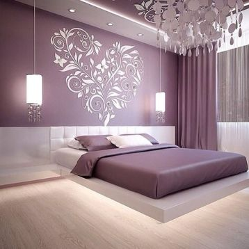 ผ้าม่าน สีม่วง ติดตั้งผ้าม่านสูงๆ ทำให้ห้องดูสูงใหญ่