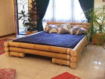 ผ้าม่านและเตียง