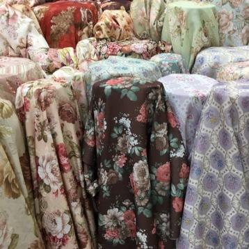 ผ้าม่านลายดอกไม้ ร้านผ้าม่าน แฟบริค พลัส