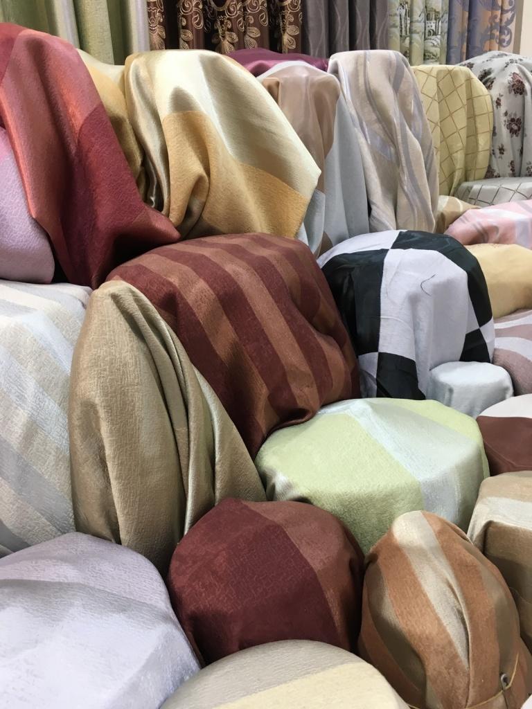 ผ้าม่านกันUV สวยๆ คุณภาพสูง ราคาถูก ร้านผ้าม่าน แฟบริค พลัส อยู่ถนนพาหุรัด