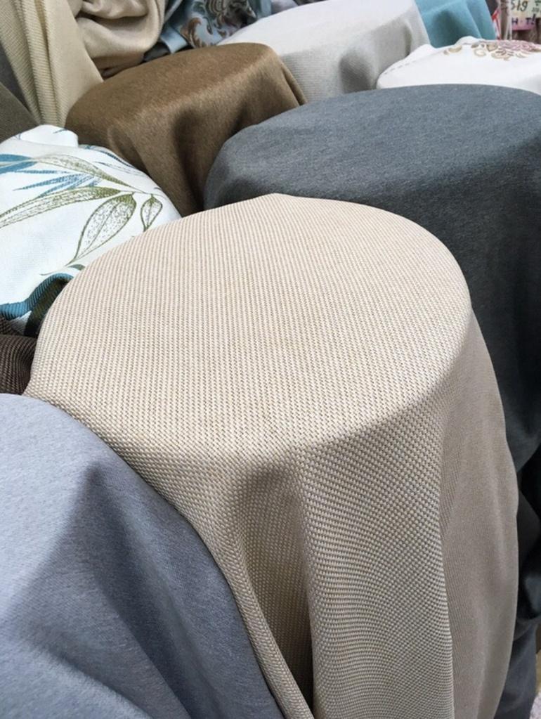 ผ้าม่านกันUV ทอลายกระสอบ สีครีม เนื้อหนาพิเศษ ผ้าม่านกันUV ร้านผ้าม่านพาหุรัด บริษัท แฟบริค พลัส แหล่งผ้าทำผ้าม่านประเทศไทย