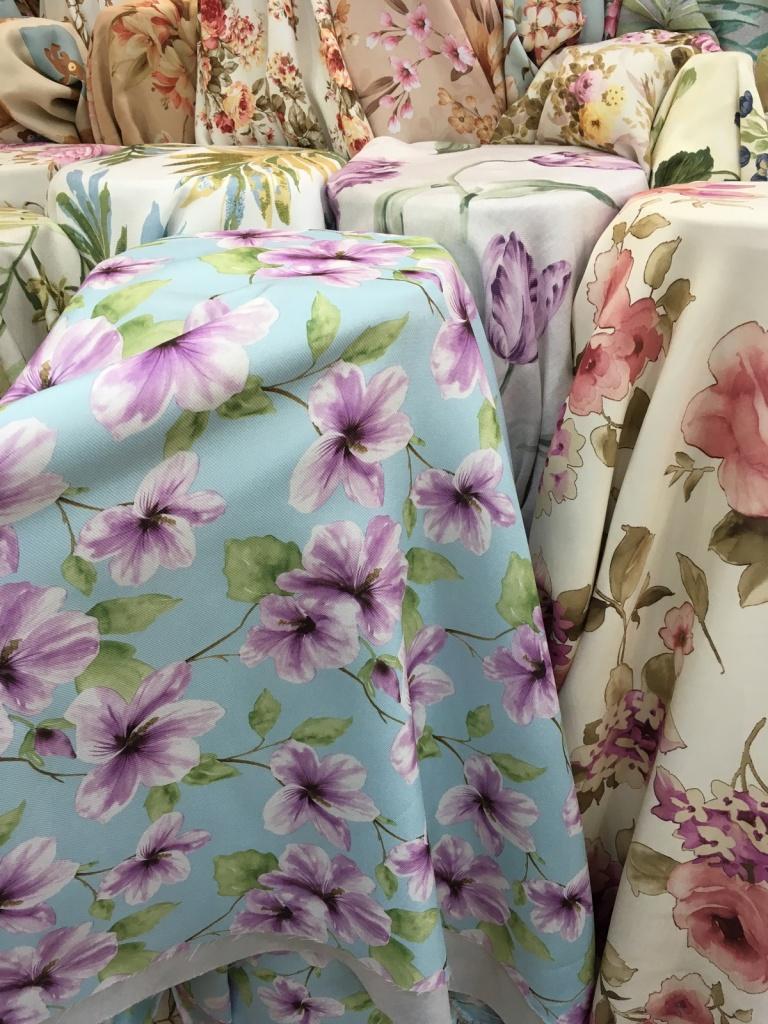 ผ้าม่านกันยูวี ลายดอกไม้ แนววินเทจ ร้านผ้าม่านพาหุรัด บริษัท แฟบริค พลัส