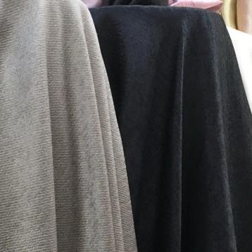 ผ้าม่านกันuv สีดำและสีเทาอ่อน ร้านขายผ้าม่านราคาถูก บริษัทพาหุรัด แฟบริค พลัส