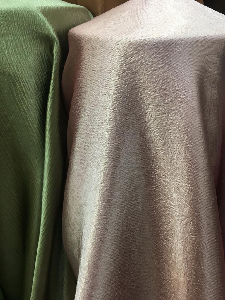 ผ้าม่านกันUV เนื้อเงา ราคาถูก ร้านผ้าม่านพาหุรัด บริษัท แฟบริค พลัส แหล่งผ้าทำผ้าม่านประเทศไทย