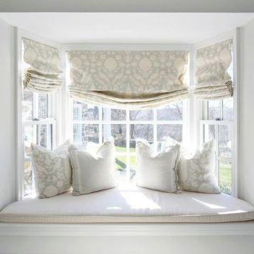 ผ้าม่านพับ เหมาะกับหน้าต่างขนาดเล็ก ดูสวยงามแบบเรียบง่าย มีเสน่ห์ลงตัว