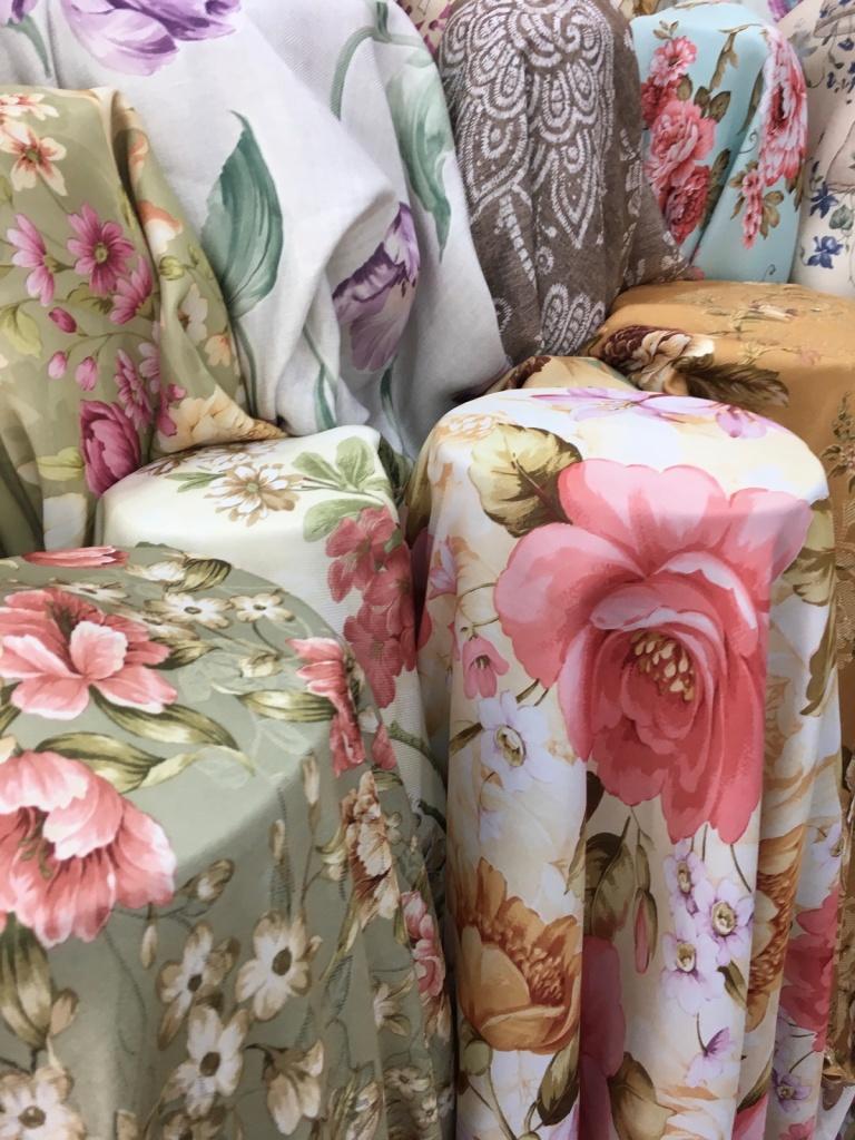 ผ้าม่านลายดอกไม้ วินเทจ สวย แหล่งผ้าทำผ้าม่านราคาส่ง