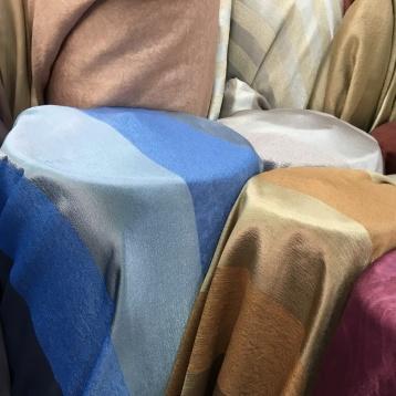 ผ้าม่านลายริ้วใหญ่ ผ้าม่านกันuv ร้านผ้าม่านพาหุรัด ขายผ้าม่านสวย ราคาถูก