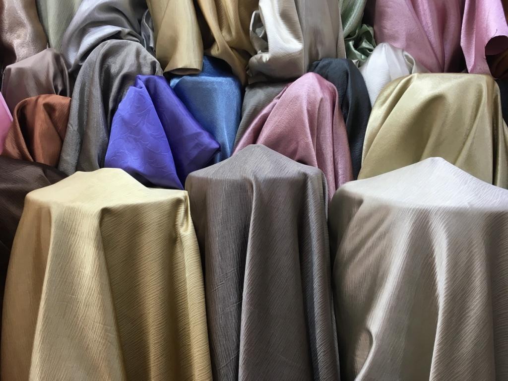 ผ้าม่านกันยูวี เนื้อเงา สีสวยๆ ร้านผ้าม่าน พาหุรัด