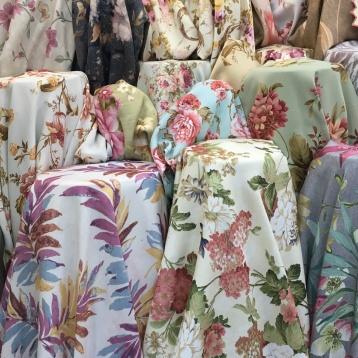 ผ้าม่านกันแสง ลายสวยๆ ที่ร้านผ้าม่าน แฟบริค พลัส พาหุรัด