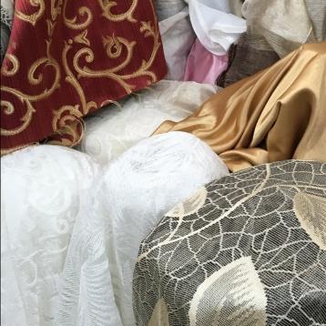 ผ้าม่านสวยๆ ลายลูกไม้ หลายสไตล์ หลายดีไซน์ ร้านผ้าม่าน แฟบริค พลัส ขายส่งผ้าม่านและแบ่งขายจากม้วน
