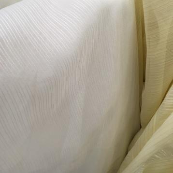 ผ้าม่านโปร่ง สีขาว ลายริ้วเล็ก ร้านผ้าม่านอยู่ติดถนนพาหุรัด