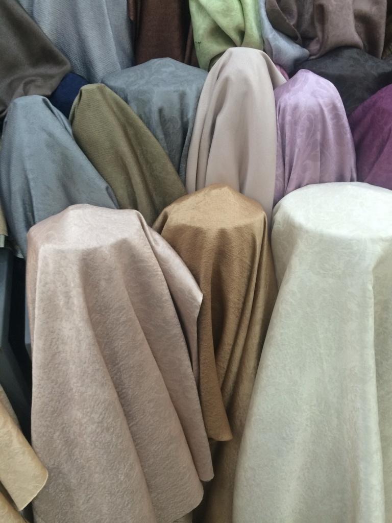 ผ้าหุ้มเบาะ เนื้อหนา เงา หน้ากว้าง 2.80 เมตร สีสวย