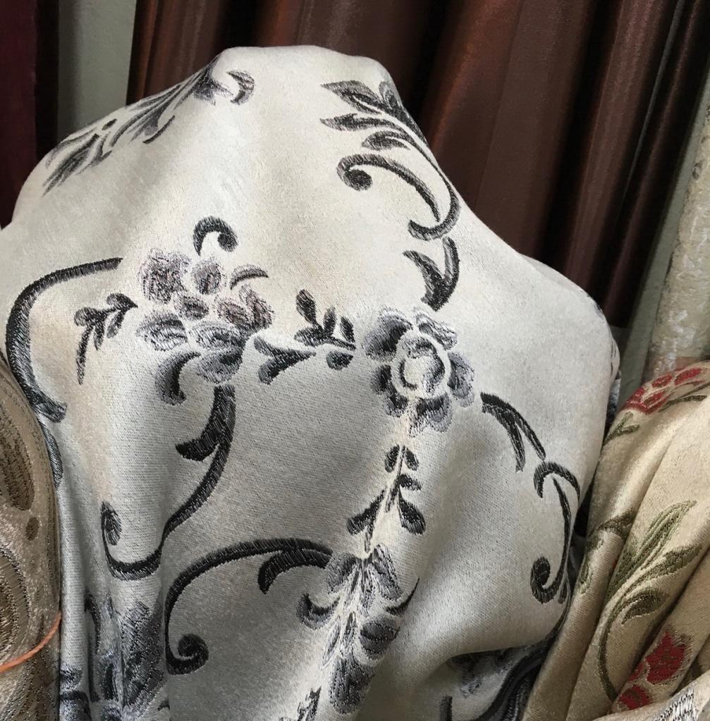 ผ้าหุ้มเบาะ สีเทา ลวดลายทอ Yarn Dye สวย หรู เนื้อผ้าหนานุ่ม