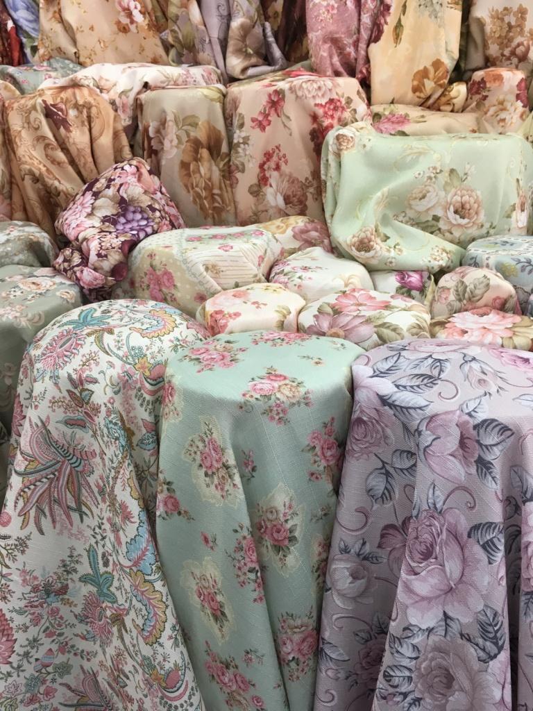 ผ้าม่านลายดอกไม้ หน้ากว้าง 55 นิ้ว ร้านผ้าม่าน บริษัท แฟบริค พลัส